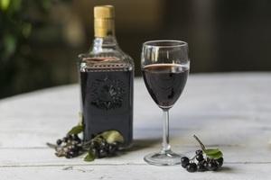 Яблочное вино с черноплодной рябиной